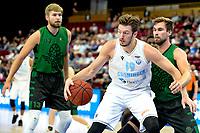 GRONINGEN - Basketbal, Donar - Groen Uilen, voorbereiding seizoen 2021-2022, 21-08-2021,  Donar speler Willem Brandwijk met Roy van der Schaaf