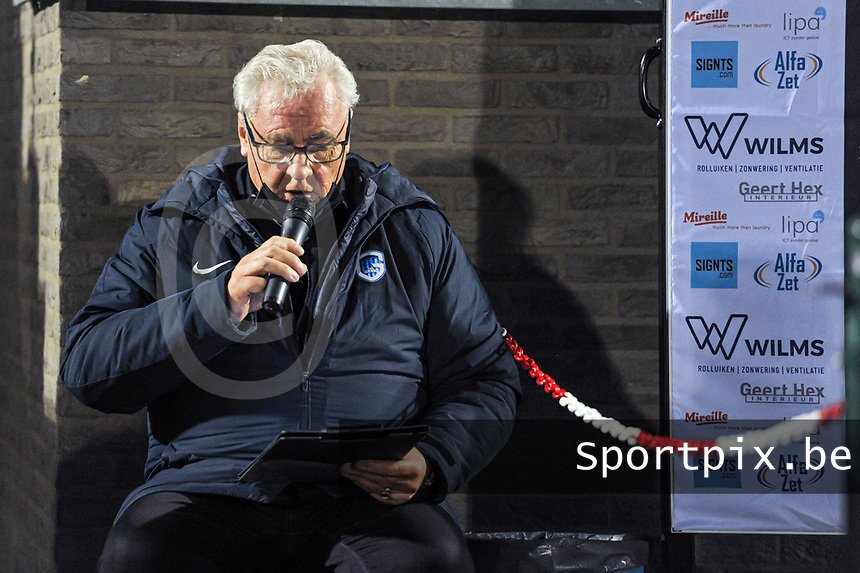speaker having extra Covid-19 / Corona instructions before a female soccer game between  Racing Genk Ladies and Oud Heverlee Leuven on the fourth matchday of the 2020 - 2021 season of Belgian Scooore Womens Super League , friday 9 th of October 2020  in Genk , Belgium . PHOTO SPORTPIX.BE | SPP | STIJN AUDOOREN