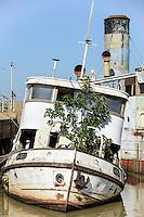 KENYA Kisumu, old ship MV Reli, out of service / KENIA  Kisumu, altes Schiff MV Reli, ausser Dienst