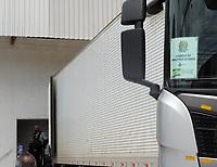 Recife (PE), 12/04/2021 - Nesta segunda-feira (12) chegou um carreta com vacinas para covid do Ministério da Saúde, no centro do coordenação na avenida norte em Recife. O centro fica ao lado da Maternidade Barros Lima que também atendo casos de Covid na Av. Norte Miguel Arraes. O carregamento foi escoltado pela a Policia Rodoviária Federal.