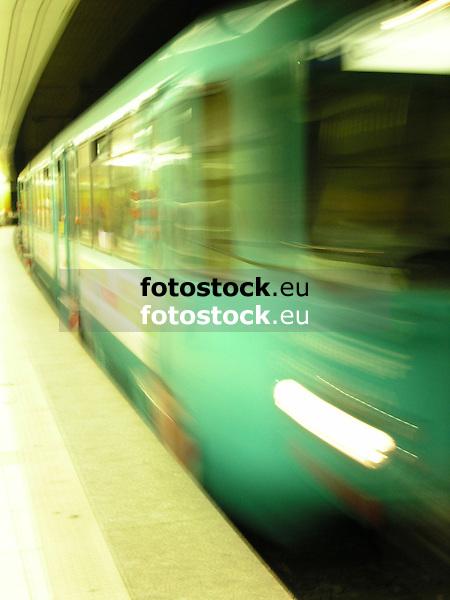 Subway train<br /> <br /> Metro<br /> <br /> U-Bahn<br /> <br /> 1600 x 1200 px<br /> 150 dpi: 27,09 x 20,32 cm<br /> 300 dpi: 13,55 x 10,16 cm