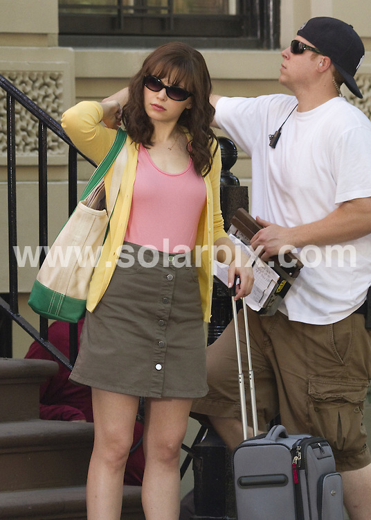 **ALL ROUND PICTURES FROM SOLARPIX.COM**.**SYNDICATION RIGHTS FOR UK, AUSTRALIA, DENMARK, PORTUGAL, S. AFRICA, SPAIN & DUBAI (U.A.E) & ASIA (EXCLUDING JAPAN) ONLY**.Something Borrowed - filming in Greenwich Village, New York City, NY, USA. 2 June 2010..This pic: Ginnifer Goodwin..JOB REF: 11387 PHZ Mayer   DATE: 02_06_2010.**MUST CREDIT SOLARPIX.COM OR DOUBLE FEE WILL BE CHARGED**.**MUST NOTIFY SOLARPIX OF ONLINE USAGE**.**CALL US ON: +34 952 811 768 or LOW RATE FROM UK 0844 617 7637**
