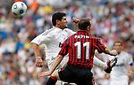 Madrid (30/05/10).- Estadio Santiago Bernabeu..Corazon Classic Match 2010.Real Madrid Veteranos 4- Milan Glorie 3.Jean Pierre Papin y Roberto Rojas...Photo: Alex Cid-Fuentes/ ALFAQUI.