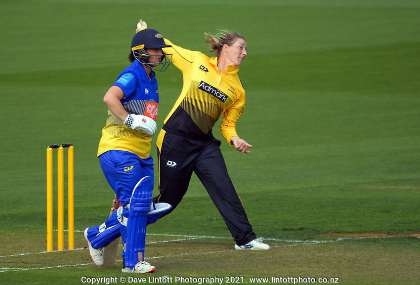 Sophie Devine bowls during the Hallyburton Johnstone Shield women's cricket match between Wellington Blaze and Otago Sparks at the Basin Reserve in Wellington, New Zealand on Saturday, 13 March 2021. Photo: Dave Lintott / lintottphoto.co.nz