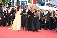 Jodie Foster Julia Roberts George Clooney et Amal Clooney - CANNES 2016 - MONTEE DES MARCHES DU FILM 'MONEY MONSTER'
