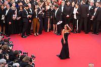 EVA LONGORIA - CANNES 2016 - MONTEE DES MARCHES DU FILM 'MONEY MONSTER'