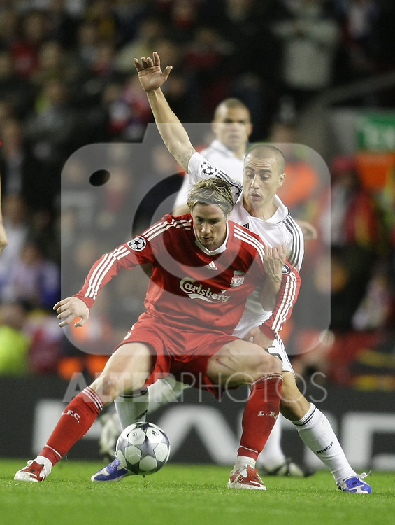 Fernando Torres sheilds the ball.Uefa Champions League, First knock-out round, second leg.Liverpool v Real Madrid.Anfield..10.03.09.