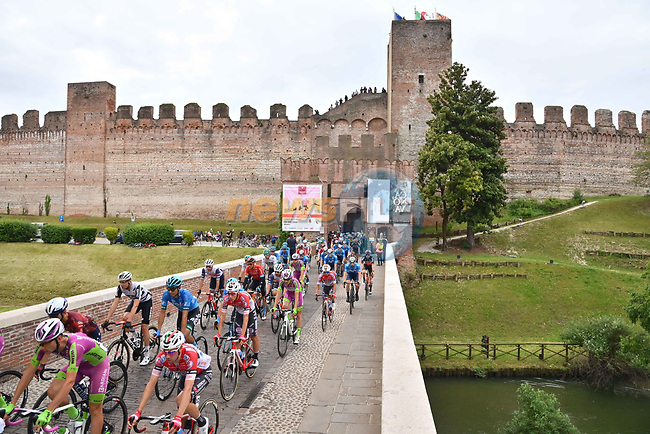 The start of Stage 14 of the 2021 Giro d'Italia, running 205km from Cittadella to Monte Zoncolan, Italy. 22nd May 2021.  <br /> Picture: LaPresse/Gian Mattia D'Alberto | Cyclefile<br /> <br /> All photos usage must carry mandatory copyright credit (© Cyclefile | LaPresse/Gian Mattia D'Alberto)