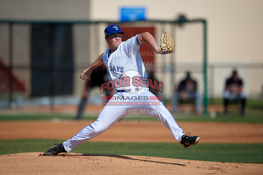 Dunedin Blue Jays starting pitcher Joey Murray (32) during a Florida State League game against the Jupiter Hammerheads on May 15, 2019 at Jack Russell Memorial Stadium in Clearwater, Florida.  Jupiter defeated Dunedin 5-1 in a seven innings, the first game of a doubleheader.  (Mike Janes/Four Seam Images)