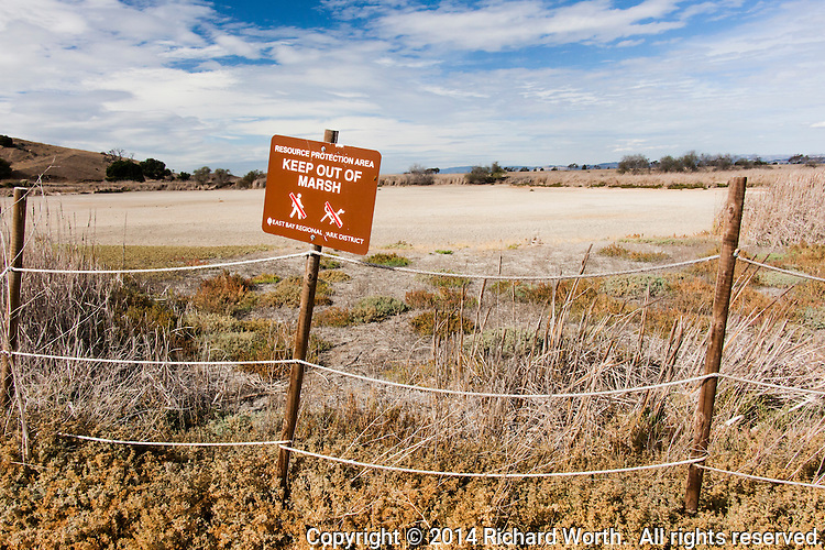 Keep Out of Marsh sign at Coyote Hills Regional Park where drought has left much of the marsh dry.