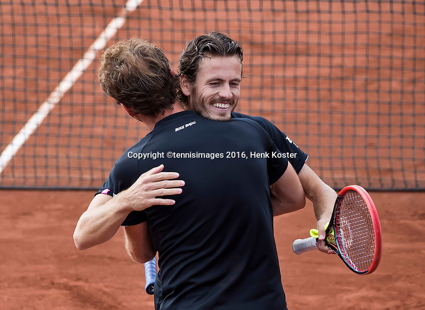 The Hague, Netherlands, 31 July, 2016, Tennis,  The Hague Open, Doubles Final:  Matwe Middelkoop (NED) / Wesley Koolhof (NED) (R) embrace after winning the titel<br /> Photo: Henk Koster/tennisimages.com