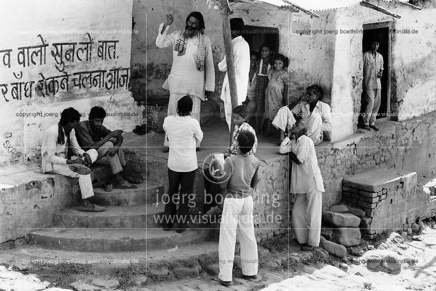 India, Narmada River, Narmada dams and protest movement of NBA Narmada Bachao Andolan, movement to save the Narmada river, and affected Adivasi in their villages, Narmada Yatra in November 1993, protest march from Narmada source in Amarkantak to Bharuch, the mouth of Narmada river to the Indian ocean