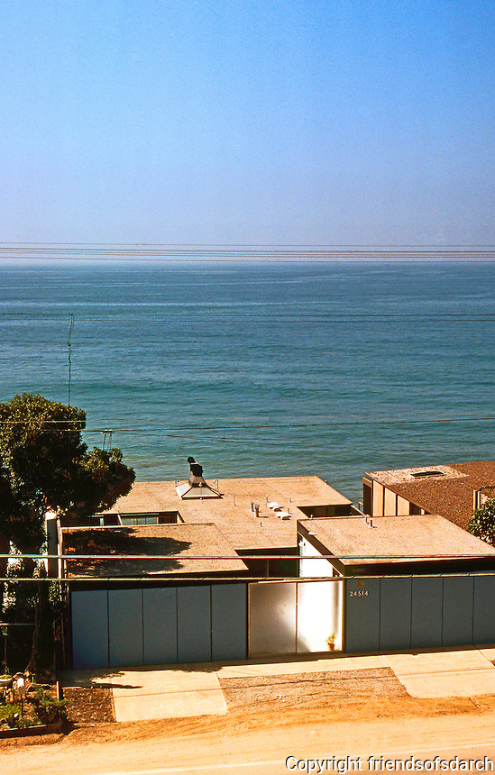 Craig Elwood: Hunt House from above. Los Angeles. Beach-side house known for its starkness of two garages facing Malibu Beach Road designed in 1955. Photo '78.