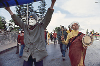 - antinuclear and pacifist march ....- marcia antinucleare e pacifista