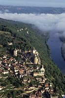 Europe/France/Aquitaine/24/Dordogne/Vallée de la Dordogne/Périgord/Périgord Noir/Castelnaud-La-Chapelle: Le village  Vue aérienne