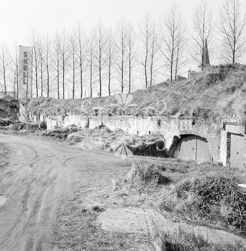 April 1966. Brialmontvesting in Berchem.