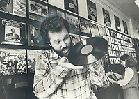1977 FILE PHOTO - ARCHIVES -<br /> <br /> Disc dealer Don Keele gets ready for Sunday's flea market (see Great Events) of old records and related collectibles,<br /> <br /> <br /> Bezant, Graham<br /> Picture, 1977,<br /> <br /> 1977<br /> <br /> PHOTO : Graham Bezant - Toronto Star Archives - AQP