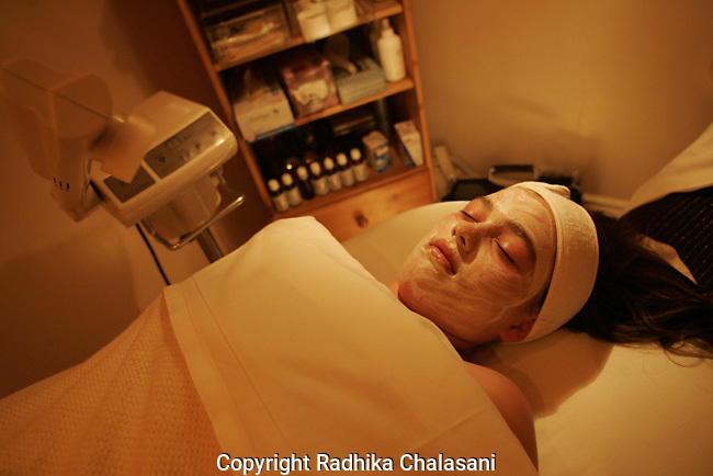 STUDIO CITY, CA-JUNE 10: A girl has a Teen Clean Facial at Belle Visage Day Spa June 10, 2004 in Studio City.  American spas are increasingly catering to a younger clientele as teens and pre-teens become more health and beauty conscious.(Photo by Radhika Chalasani)