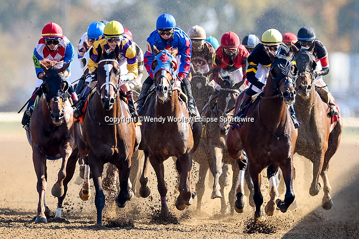 November 6, 2020: Horses race during the Thoroughbred Aftercare Alliance Stakes on Breeders' Cup Championship Friday at Keeneland on November 6, 2020: in Lexington, Kentucky. Wendy Wooley/Eclipse Sportswire/CSM