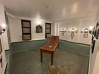 BNPS.co.uk (01202) 558833. <br /> Pic: AuctionHouseLondon/BNPS<br /> <br /> Pictured: Currently, the rooms depict the history of the gruesome Whitechapel Murders, which took place in 1888. <br /> <br /> Not for the faint-hearted...<br /> <br /> A Jack the Ripper Museum in the area where the serial killer carried out his murders is going up for auction for £685,000. <br /> <br /> Celebrity auctioneer Andrew Binstock from the BBC's Homes Under the Hammer is leading the auction of the six-storey building in London's Whitechapel.