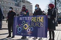"""Betreiber und Mitarbeiter vor Reisebueros protestierten am Montag den 22. Maerz 2021 in Berlin unter dem Motto """"Reisen - aber SICHER!"""" gegen die Beschraenkungen fuer die Reisebranche. Sie forderten einen """"Restart der Tourismusbranche"""".<br /> 22.3.2021, Berlin<br /> Copyright: Christian-Ditsch.de"""