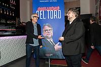 ALFONSO CUARON ET GUILLERMO DEL TORO DEVANT UNE AFFICHE - FESTIVAL LUMIERE 2017 A LYON - JOUR 3