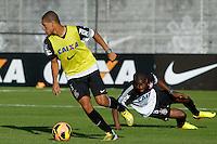 SAO PAULO, SP 18 JULHO 2013 - TREINO CORINTHIANS - O jogador William Arao do Corinthians, treinou na tarde de hoje, 18, no Ct. Dr. Joaquim Grava, na zona leste de São Paulo. FOTO: PAULO FISCHER/BRAZIL PHOTO PRESS