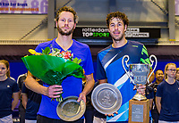 Rotterdam, Netherlands, December 17, 2017, Topsportcentrum, Ned. Loterij NK Tennis, Final man's single: left runner up Jasper Smit and right winner Robin Haase (NED)<br /> Photo: Tennisimages/Henk Koster