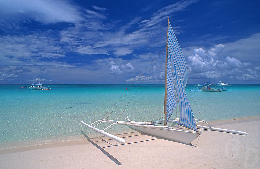 is this really the Best Beach in the World? Boracay island in the Philippines has been rewarded this Title by Magazines many times over