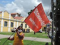 Recife (PE), 23/04/2021 - Protesto-Recife - Professores da rede estadual de pernambuco estão em greve e fizeram uma carreata que inicio no parque da Macaxeira no bairro da Av. Norte e saíram pelas as ruas da cidade, nesta sexta-feira (23).