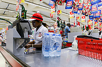 ZAMBIA, Mazabuka, shoprite supermarket / SAMBIA, shoprite supermarkt