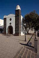 Spanien, Kanarische Inseln, Lanzarote, Kirche an Plaza Leon y Castillo in San Bartolome