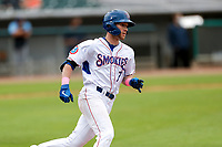 Tennessee Smokies shortstop Andy Weber (7) hustles down the first-base line against the Montgomery Biscuits on May 9, 2021, at Smokies Stadium in Kodak, Tennessee. (Danny Parker/Four Seam Images)