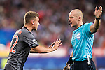 Joshua Kimmich of FC Bayern Munich argues with referee Szymon Marciniak during their 2016-17 UEFA Champions League match between Atletico Madrid vs FC Bayern Munich at the Vicente Calderon Stadium on 28 September 2016 in Madrid, Spain. Photo by Diego Gonzalez Souto / Power Sport Images