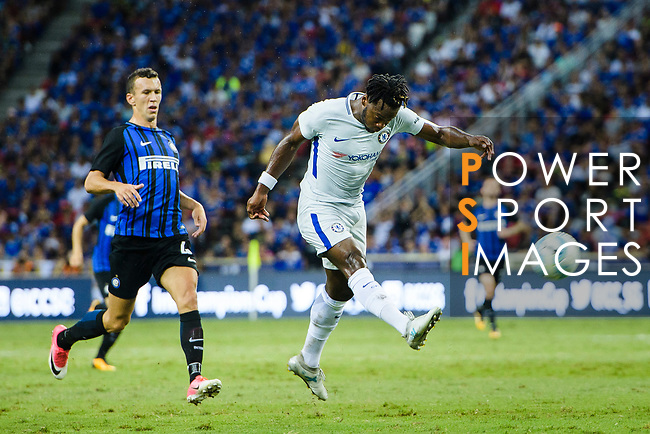 Chelsea Forward Michy Batshuayi (R) attempts a kick during the International Champions Cup 2017 match between FC Internazionale and Chelsea FC on July 29, 2017 in Singapore. Photo by Marcio Rodrigo Machado / Power Sport Images