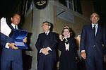 FRANCO CARRARO CON GIULIO ANDREOTTI , ANNA FENDI E VALENTINO GARAVANI<br /> PREMIO CONDOTTI ROMA 1992