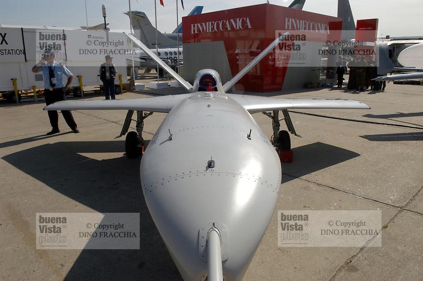 - Unmanned Aerial Vehicle (UAV) Alenia Sky X (Italy)....- velivolo senza pilota (UAV)  Alenia Sky X  (Italia)