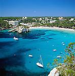 Spain, Balearic Islands, Menorca, Cala Galdana: (also Cala Santa Galdana) popular resort in the south | Spanien, Balearen, Menorca, Cala Galdana: (auch Cala Santa Galdana) beliebter Ferienort im Sueden