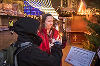 """Gedenken am Dienstag den 19. Dezember 2017 anlaesslich des 1. Jahrestag des Terroranschlag auf den Weihnachtsmarkt auf dem Berliner Breitscheidplatz am 19.12.2016 durch den Terroristen Anis Amri.<br /> Im Bild: Fuer Besucher des Gedenkortes gibt es die Moeglichkeit am """"Friedenslicht aus Bethlehem"""" eine Kerze zu entzuenden.<br /> 19.12.2017, Berlin<br /> Copyright: Christian-Ditsch.de<br /> [Inhaltsveraendernde Manipulation des Fotos nur nach ausdruecklicher Genehmigung des Fotografen. Vereinbarungen ueber Abtretung von Persoenlichkeitsrechten/Model Release der abgebildeten Person/Personen liegen nicht vor. NO MODEL RELEASE! Nur fuer Redaktionelle Zwecke. Don't publish without copyright Christian-Ditsch.de, Veroeffentlichung nur mit Fotografennennung, sowie gegen Honorar, MwSt. und Beleg. Konto: I N G - D i B a, IBAN DE58500105175400192269, BIC INGDDEFFXXX, Kontakt: post@christian-ditsch.de<br /> Bei der Bearbeitung der Dateiinformationen darf die Urheberkennzeichnung in den EXIF- und  IPTC-Daten nicht entfernt werden, diese sind in digitalen Medien nach §95c UrhG rechtlich geschuetzt. Der Urhebervermerk wird gemaess §13 UrhG verlangt.]"""