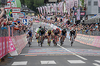 bunch sprint for 2nd place<br /> <br /> Stage 17: Tirano › Canaze (219km)<br /> 100th Giro d'Italia 2017