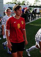 Vriendschappelijke interland vrouwenvoetbal : Belgium A - France A te Nieuwpoort ;..Niki Decock..foto DAVID CATRY / Vrouwenteam.be