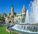 Spain, Costa del Azahar (Orange Blossom Coast), Valencia City: Fountain & Town Hall (Plaza Del Ayuntamiento) | Spanien, Costa del Azahar - Kueste der Orangenbluete, Valencia Stadt: Brunnen und Rathaus am Plaza Del Ayuntamiento