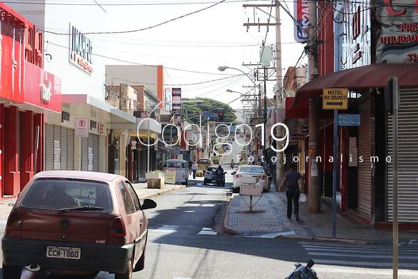 Bebedouro (SP), 20/05/2021 - Covid-SP - Região central de Bebedouro. Bebedouro, interior de São Paulo, entra em confinamento a partir desta quinta-feira (20) até 0h de 30 de maio para tentar conter o avanço da Covid-19, embora o governo estadual tenha autorizado a prorrogação da fase de transição do Plano São Paulo até 15 de junho, com mais relaxamentos da quarentena a partir do dia 1º.