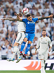 Mauro Wilney Arambarri Rosa of Getafe CF fights for the ball with Toni Kroos of Real Madrid during the La Liga 2018-19 match between Real Madrid and Getafe CF at Estadio Santiago Bernabeu on August 19 2018 in Madrid, Spain. Photo by Diego Souto / Power Sport Images