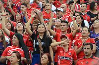MEDELLÍN -COLOMBIA-14-05-2016. Hinchas del Medellín animan a su equipo durante el encuentro entre Independiente Medellín y Once Caldas por la fecha 18 de la Liga Águila I 2016 jugado en el estadio Atanasio Girardot de la ciudad de Medellín./ Fans of Medellin cheer for their team during the match between Independiente Medellin and Once Caldas during match for the date 18 of Aguila League I 2016 played at Atanasio Girardot stadium in Medellin city. Photo: VizzorImage/ León Monsalve /Str