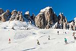 Italy, Alto Adige - Trentino, South Tyrol, above Selva di Val Gardena: ski run at Passo Gardena (2.585 m) and Gruppo del Cir mountains | Italien, Suedtirol, Groednertal, oberhalb Wolkenstein, Skipiste am Groednerjoch (2.585 m) unterhalb der Cirspitzen