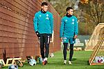 22.11.2020, Trainingsgelaende am wohninvest WESERSTADION,, Bremen, GER, 1.FBL, Werder Bremen Training, im Bild<br /> <br /> <br /> <br /> Davie Selke (SV Werder Bremen #9), links, und Felix Agu (SV Werder Bremen #17) beim Verlassen des Trainingsplatzes<br /> <br /> Foto © nordphoto / Gumz