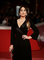L'attrice italiana Monica Guerritore posa sul red carpet di apertura della 13 edizione della Festa del Cinema di Roma, 18 ottobre 2018.<br /> Italian actress Monica Guerritore poses on the 13th Rome Film Festival opening red carpet in Rome, October 18, 2018.<br /> UPDATE IMAGES PRESS/Isabella Bonotto