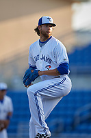 Dunedin Blue Jays relief pitcher T.J. Zeuch (35) delivers a pitch during a game against the St. Lucie Mets on April 20, 2017 at Florida Auto Exchange Stadium in Dunedin, Florida.  Dunedin defeated St. Lucie 6-4.  (Mike Janes/Four Seam Images)