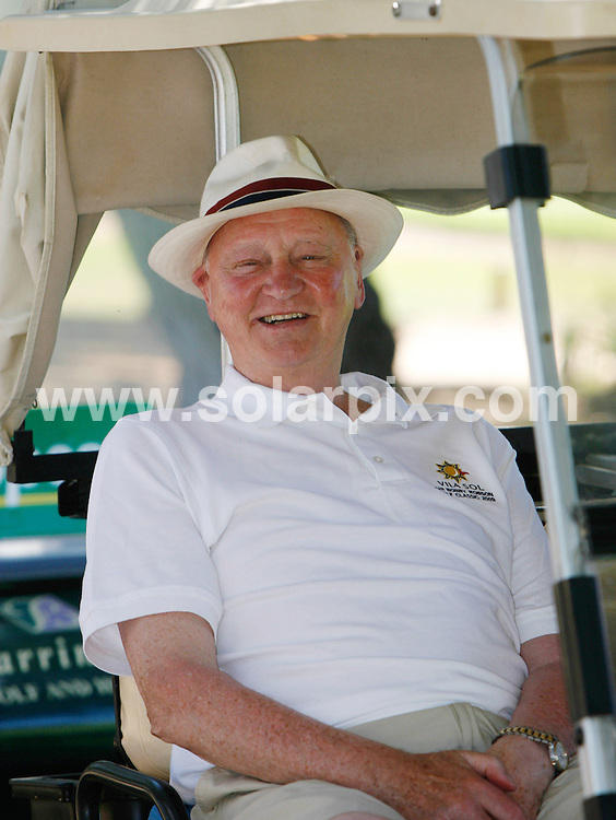 **ALL ROUND PICTURES FROM SOLARPIX.COM**.**WORLDWIDE SYNDICATION RIGHTS EXCEPT FOR PORTUGAL AND SPAIN** **NO PUBLICATION IN PORTUGAL OR SPAIN**. Sir Bobby Robson on the Golf course in the Algarve Portugal..The former manager of several European clubs and the England national football team..His professional playing career as an inside-forward spanned nearly 20 years, during which he played for just three clubs - Fulham, West Bromwich Albion and briefly for the defunct Vancouver Royals. He also made 20 appearances for England, scoring four goals..He is now better known for his success as both a club and international manager...This pic:Bobby Robson..JOB REF:9422      NPP     DATE:04.07.09.**MUST CREDIT SOLARPIX.COM OR DOUBLE FEE WILL BE CHARGED**.***ONLINE USAGE FEE GBP 50.00 PER PICTURE - NOTIFICATION OF USAGE TO PHOTO @ SOLARPIX.COM**.**CALL SOLARPIX : +34 952 811 768 or LOW RATE FROM UK 0844 617 7637**
